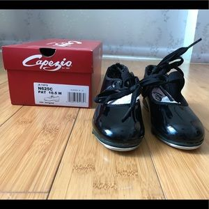 Capezio Girls Jr Tyette tap shoes Sz 10.5
